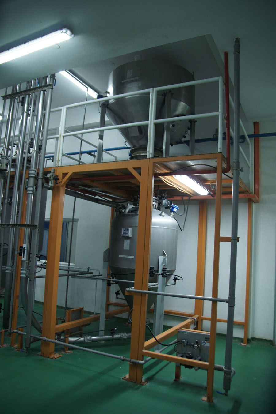Image of Pneumatic conveying systems (dilute / dense phase)